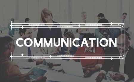 comunicar: Comunicar la comunicación concepto conversación discusión