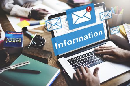 correspondence: Información de datos de correo electrónico concepto conexión en línea