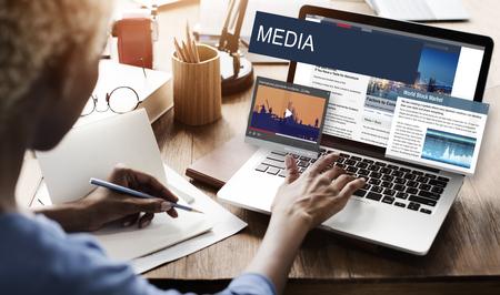 Medienjournalismus Globale Daily News Inhalt Konzept Standard-Bild - 57855970