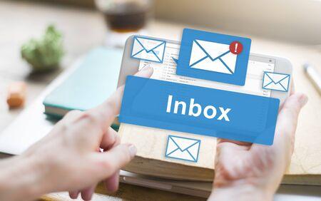 メールの受信トレイの電子通信グラフィック コンセプト 写真素材 - 57554435