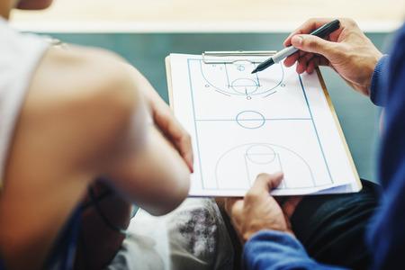 plan de accion: Jugador de baloncesto Deporte tácticas plan de juego Concepto