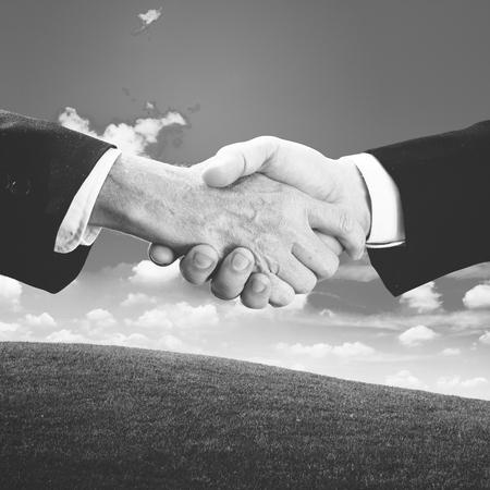 Agreement handshake Imagens