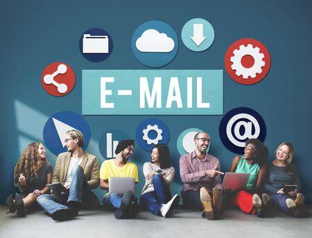 correspondencia: E-mail concepto correspondencia digital Comunicación Online Foto de archivo