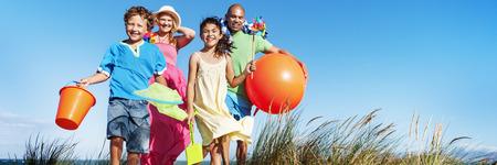 Family Bonding Enthousiaste Enfants Amour Parenting Banque d'images - 58055510