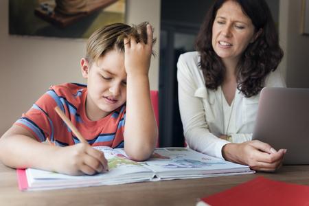 母息子介護通信宿題コンセプト 写真素材