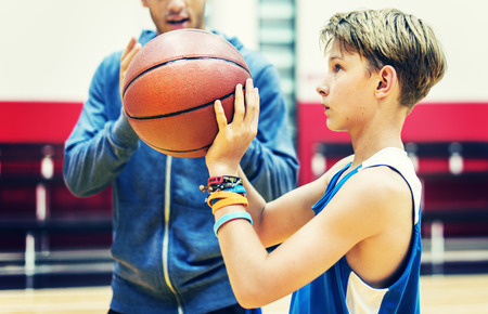 Team-Teamwork Basketball-Trainings-Spiel-Konzept Standard-Bild - 58055774