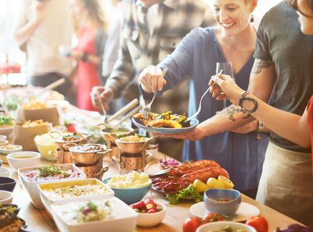 브런치 선택 군중 식품 옵션 먹는 개념 식사