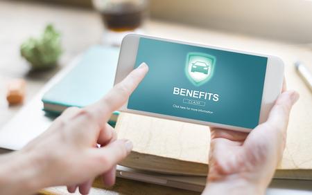 salarios: Benefits Assets Profit Value Wages Bonus Claims Concept