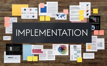 Die Umsetzung pflegen Ausführung Konzept Standard-Bild