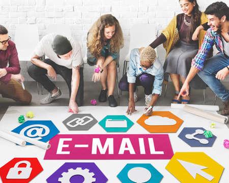 correspondence: E-mail concepto correspondencia digital Comunicación Online Foto de archivo