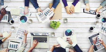 Bureau Collègues de réunion Occupé Concept de données d'entreprise Banque d'images