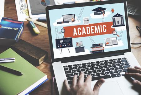 콜라주 대학 교육 기관의 개념 스톡 콘텐츠