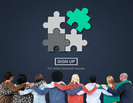 huddle: Stategy Puzzle Fit Jigsaw Match Solve Concept