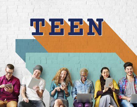 adolescencia: La adolescencia adolescente estilo de vida joven juventud Concepto Cultura Foto de archivo