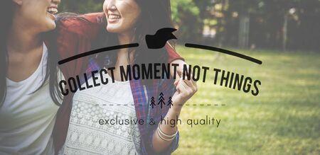 juntar: Recoger momentos no cosas relaci�n de conceptos Foto de archivo