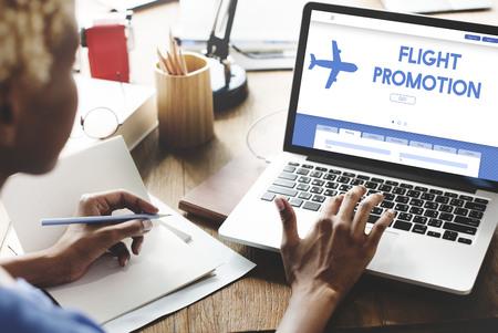 飛行プロモーション提供飛行機旅行コンセプト 写真素材