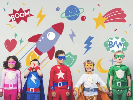 슈퍼 영웅 Superkid 어린이 영웅 장난 개념