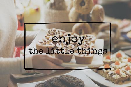 Disfrutar de las pequeñas cosas Concepto Alegría Felicidad Placer Foto de archivo