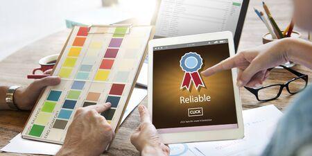 commitment: Compromiso fiable consistencia Concepto De fiar Foto de archivo