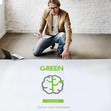 refrescar: Go Green Actualizar Think Green Concept