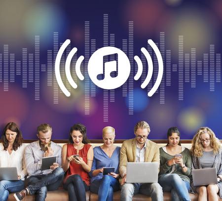 iconos de música: Musicales audio Entretenimiento Multimedia Concepto Melody Foto de archivo