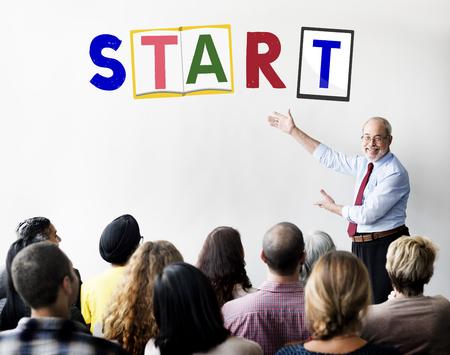 empezar: Comenzar a comenzar abran motivación Listo Concept