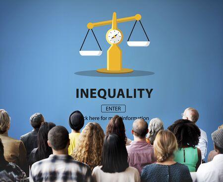 racismo: La desigualdad Diferencia concepto de diversidad Desequilibrio Racismo Foto de archivo