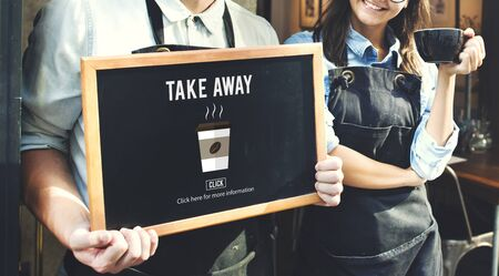 negocios comida: Café para llevar Orden menú concepto de entrega en línea