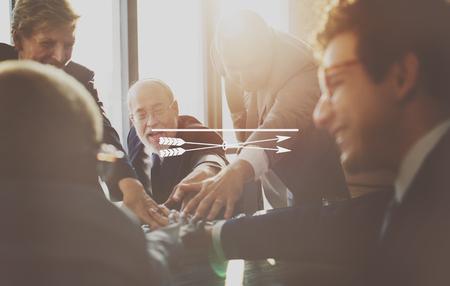 iluminado a contraluz: Concepto del análisis de la planificación de empresas Personas Discusión Foto de archivo