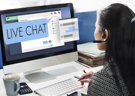 Chat en Vivo En Línea Web Concept Comunicación Digital Foto de archivo