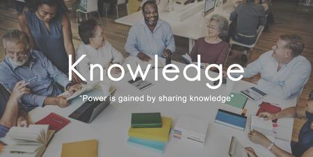 知識を学ぶ教育人グラフィック コンセプト