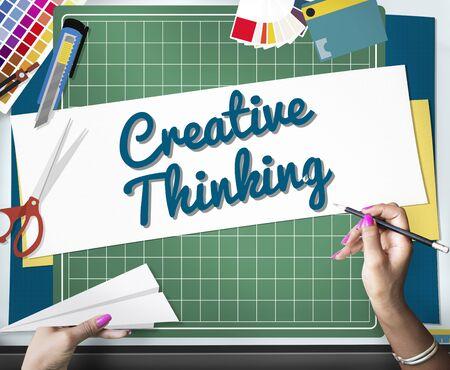 pensamiento creativo: Pensamiento creativo Creatividad Innovación Concepto Ideas