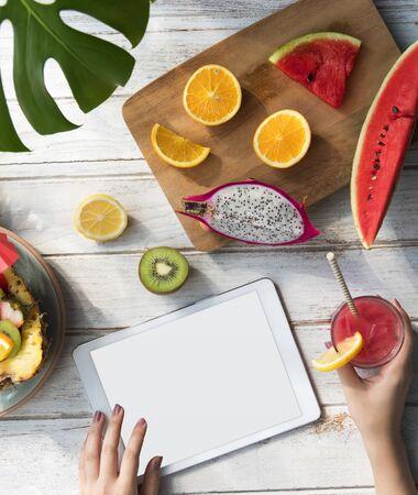copyspace: Mockup Copyspace Summer Fruits Digital Tablet Concept