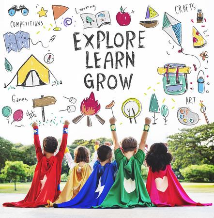 Sommer-Kinder-Camp Adventure erkunden Konzept