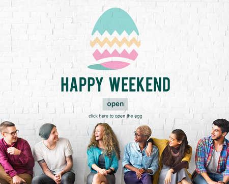mujeres juntas: Celebración de la Pascua de vacaciones Página Web Concept