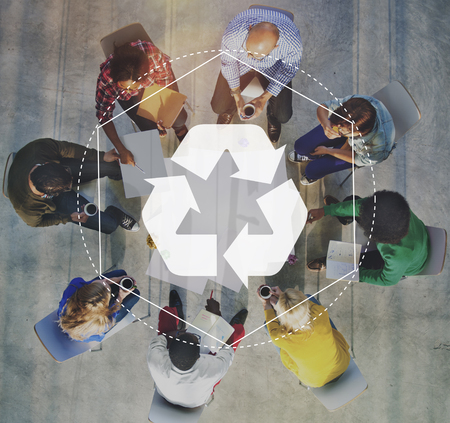 생분해 성 솔루션 재활용 그래픽 개념에 대한 역량 강화 스톡 콘텐츠