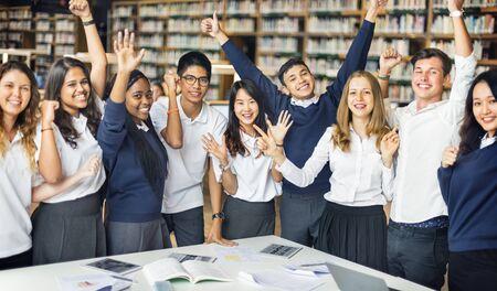 Bibliotheek van het studenten de Digitale Onderwijs het Bestuderen Concept