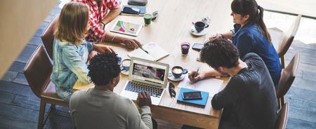 Startup New Business Einführung Wachstum Erfolgskonzept
