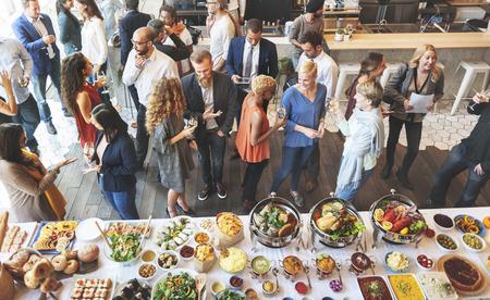 Концепция Деловые люди едят Обсуждение Кухня Party