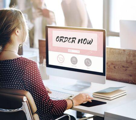 Online bestellen Koop nu Internet Shopping Store Concept