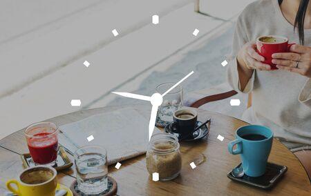 punctual: Tiempo de sincronizaci�n puntual concepto de gesti�n de la Lista Foto de archivo