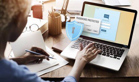 Pare-feu protégé par Internet numérique Web Concept de pare-feu