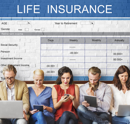 pflegeversicherung: Retirement Plan Versicherungsleistungen Gesundheitswesen Konzept Lizenzfreie Bilder
