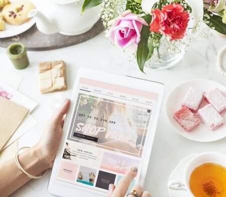 shopper: Shopping Online Tablet Women Shopper Concept