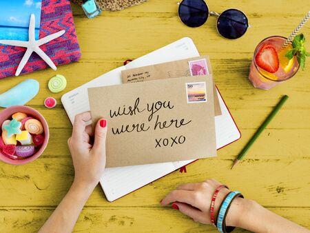 correspondence: Concepto de Verano conexión correspondencia letra de la comunicación Foto de archivo