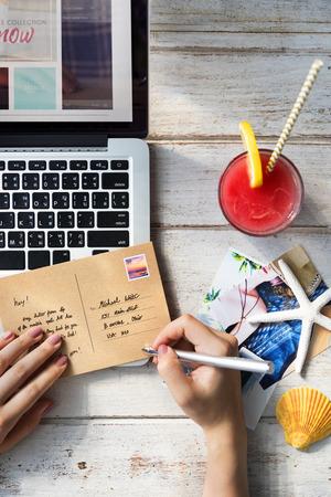 correspondence: Concepto de Verano conexión correspondencia postal de Comunicación