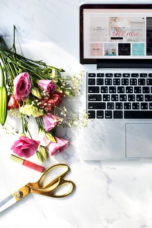 lipgloss: Flower Bouquet Computer Lipgloss Concept