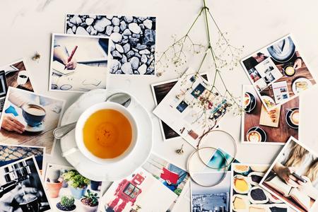 사진 컬렉션 흩어져있는 표 공중 개념 스톡 콘텐츠