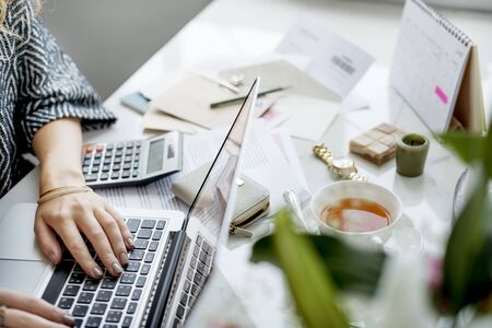 Workspace Laptop Análise Conceito de Trabalho Tecnologia