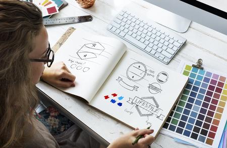 アイデア創造的な職業設計スタジオ図面スタートアップ コンセプト 写真素材 - 61348986